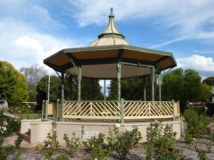 Rotunda in Robertson Park Mudgee
